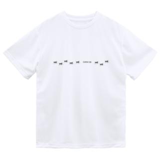 クロクサアリの行列 ドライTシャツ