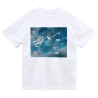 夜空に浮かぶ雲と星空と三日月のイラスト ドライTシャツ