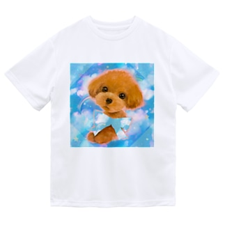 かわいいトイプードルの子犬と夢かわいい雲のイラスト ドライTシャツ