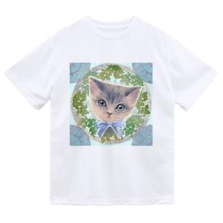 リボンをつけた子猫とアール・ヌーヴォー風レリーフのイラスト ドライTシャツ