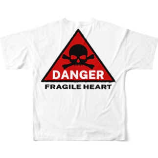 PB.DesignsのFRAGILE HEART -red- Full graphic T-shirtsの背面