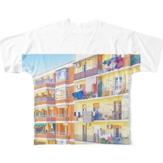 朝の街 洗濯物 Full graphic T-shirts