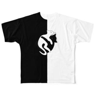 ''白黒猫ちゃん'' (前後2面プリント)  フルグラフィックTシャツ