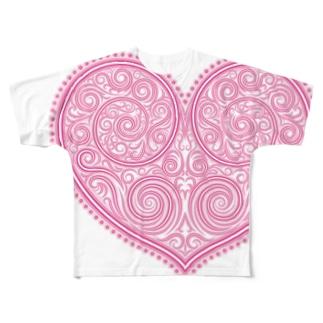 ゴージャスなアクセサリーのようなピンクのハートマーク Full graphic T-shirts