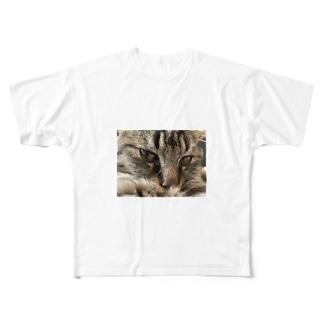 e Full graphic T-shirts