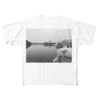 ncncccncのこたつin the lake Full graphic T-shirts