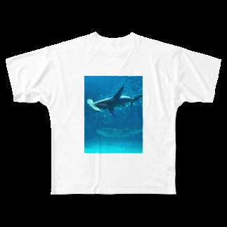 nekotayaのハンマーシャークとジンベエザメ Full graphic T-shirts