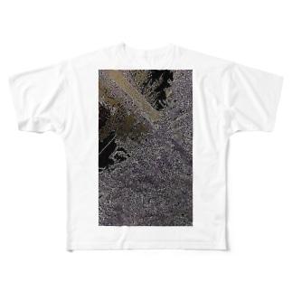諸悪の根源のように評されていたその人物は、最後の最後まで反対していた Full graphic T-shirts