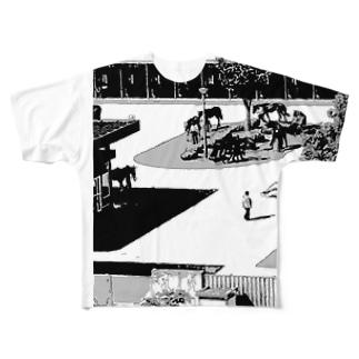 レース準備中。 Full graphic T-shirts