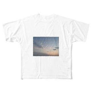 オソラ Full graphic T-shirts