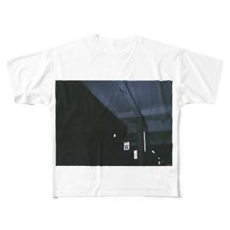 客     Full graphic T-shirts