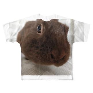 こげ色うさぎ チョコ Full graphic T-shirts