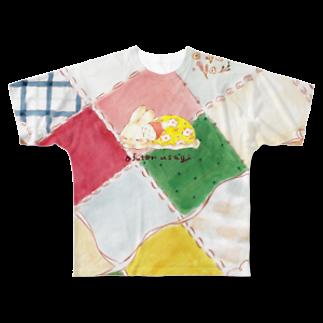 🍀osanpo*march🍀のおふとんうさぎとパッチワーク Full graphic T-shirts