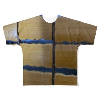 hitomi miyashitaの木の格子柄 Full graphic T-shirts