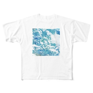 playing water Full graphic T-shirts