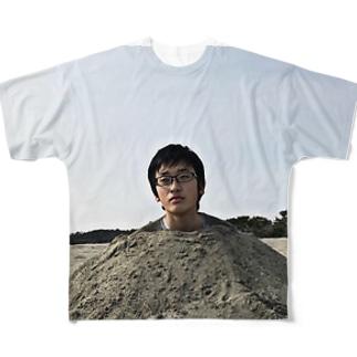 砂浜に埋まるタルト Full graphic T-shirts