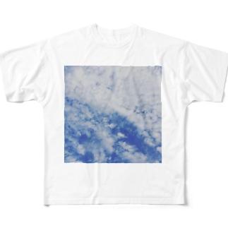 雲 Full graphic T-shirts