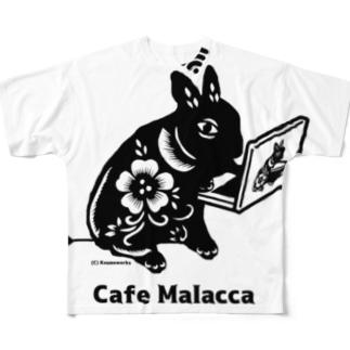 黒い小梅うさぎ PC作業 Full graphic T-shirts