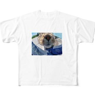 魚眼越し猫ちゃん Full graphic T-shirts
