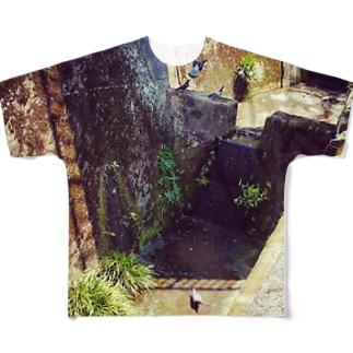 ハト フルグラフィックTシャツ