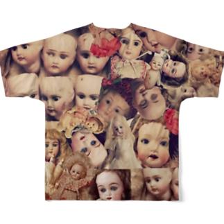 tanna fantastic worldのアンティークビスクドール柄 Full graphic T-shirtsの背面