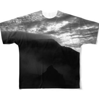 BMBのb_m_b  mother mountain Full graphic T-shirts