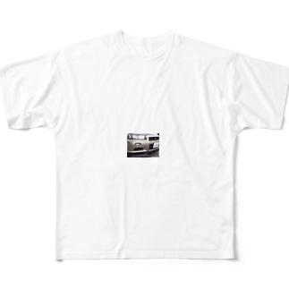 34日和 Full graphic T-shirts