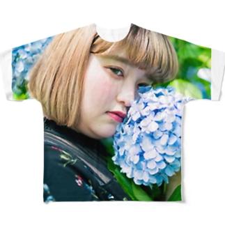 yurina Full graphic T-shirts