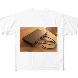 SUNDOGのITエンジニア ネットワークループ  Full graphic T-shirts