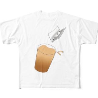 サーっとドリンクに薬を入れます Full graphic T-shirts