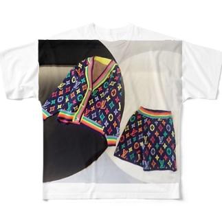 今買って春先までおしゃれを楽しむ!|キッズ秋冬カジュアルアイテム12選 Full graphic T-shirts