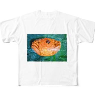 momo_emiのカニ All-Over Print T-Shirt