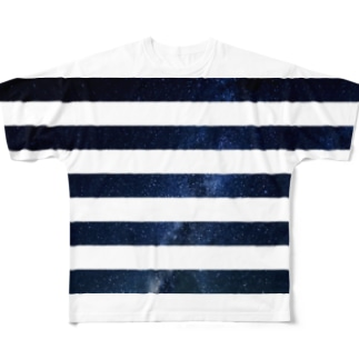 border Full graphic T-shirts