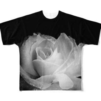 漆黒の闇に浮かび上がる白薔薇 Full graphic T-shirts