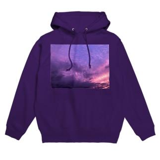purple in the sky Hoodies