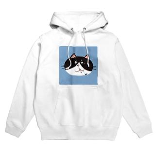 お茶目ブサカワフェイスの白黒ハチワレ猫 Hoodies