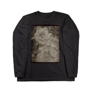 季節はずれに咲く Long sleeve T-shirts
