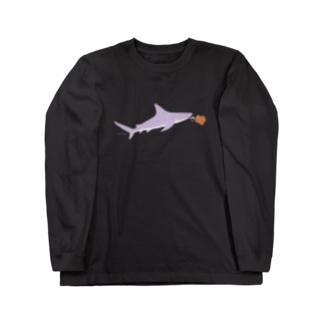 プロポーズへ向かうおサメさん Long sleeve T-shirts