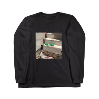 AYRGOODSのスリッパとチューブ Long sleeve T-shirts