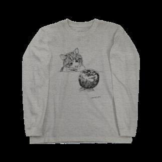 イノリシ シンの猫とりんご Long sleeve T-shirts