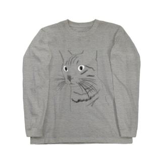 何か見つけたネコ Long sleeve T-shirts