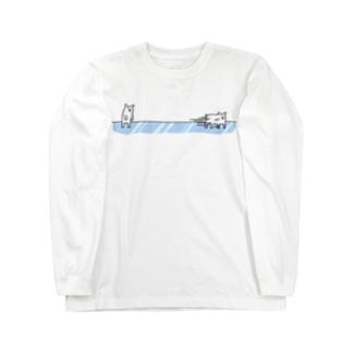 滑るホッキョクグマ ロングスリーブTシャツ