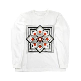 モロッカンに憧れるタイル柄・ブラック×オレンジ ロングスリーブTシャツ