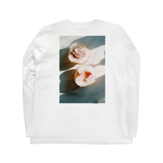 harucameraのharucamera モモ Long sleeve T-shirtsの裏面