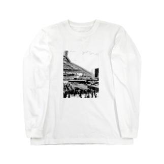 jyの阪神競馬場 パドック Long sleeve T-shirts
