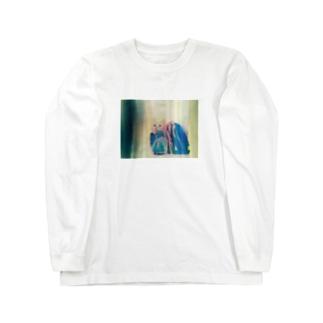毛布にくるまってるだけなのにむちゃクソ可愛いみゅーちゃん Long sleeve T-shirts