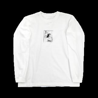 入り江わにアナログ店の曇ったガラスを拭く女 Long sleeve T-shirts