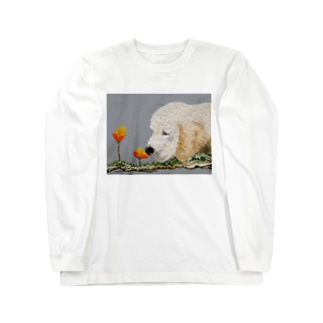 Cachorro y flores  Long sleeve T-shirts