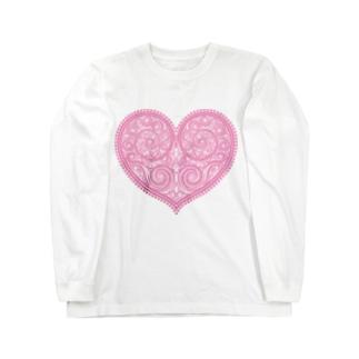 ゴージャスなアクセサリーのようなピンクのハートマーク Long sleeve T-shirts