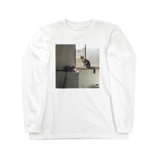 ねこ まど せん Long sleeve T-shirts